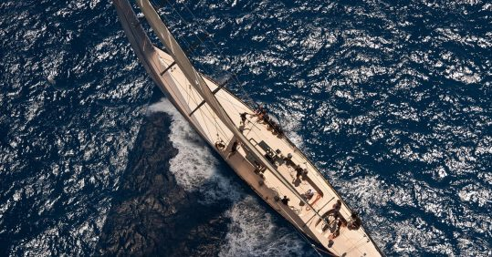 """alt=""""F-Class Firefly from above in water"""""""